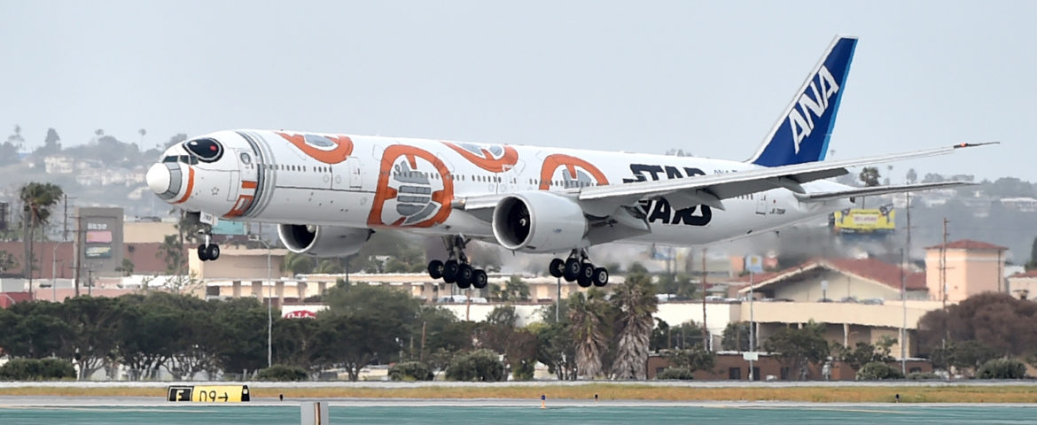 Star Wars: The Force Awakens – BB-8 ANA JET Lands at LAX