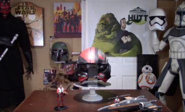 The Collector's Hutt Reviews Poe Dameron's X-wing Helmet by Golden Armour [Video]