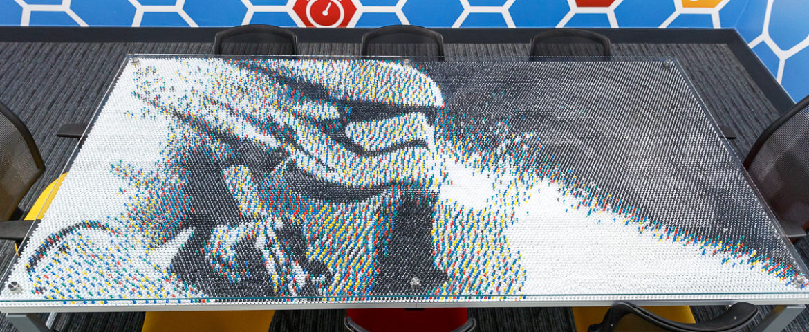Check Out This Amazing Star Wars Push-Pin Art!