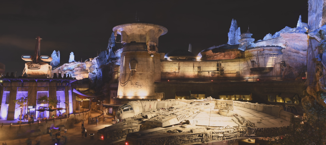 A Visit to Star Wars: Galaxy's Edge | Galactic Builders